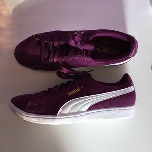 {Puma}• Classic Suede Sneakers